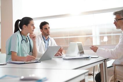 Une bonne transmission des données d'un établissement à l'autre et d'une équipe à l'autre, peut améliorer les résultats des patients.