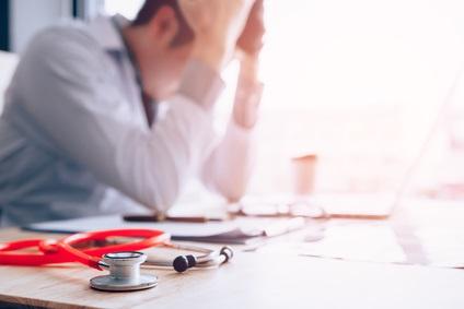 Des résultats d'enquête qui mettent en lumière la crise des soins primaires, avec à la clé, une pénurie grandissante de médecins généralistes apportant des soins à leurs patients.