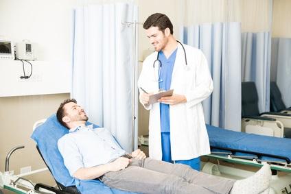 La plupart des patients hospitalisés en service des urgences souhaiteraient être impliqués dans certains aspects de la prise de décision médicale.
